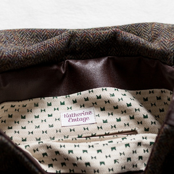 74b20a9d16 Katherine Emtage Ultimate Man Bag brown Harris Tweed with cordura inside  detail