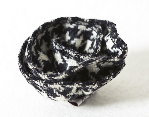 Katherine Emtage Black and White Houndstooth Corsage Borderss Tweed 3