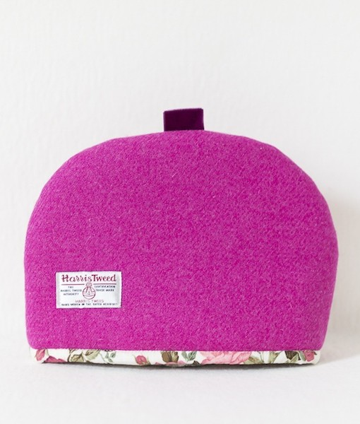 Katherine Emtage fuschia Harris Tweed medium tea cosy reverse