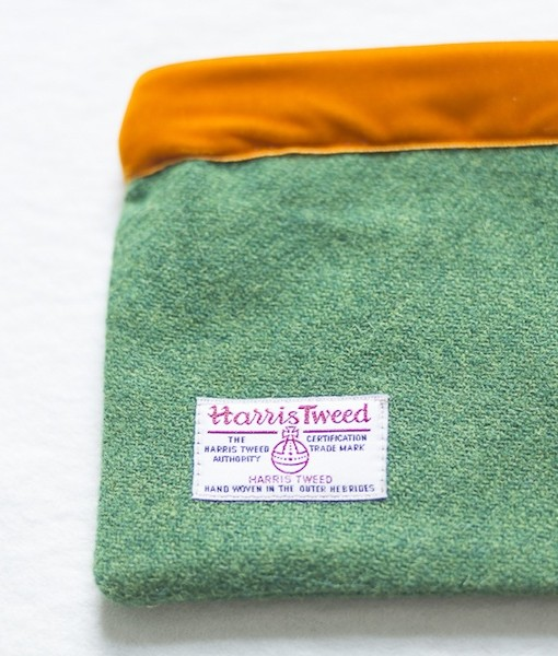 Katherine Emtage leaf green Harris Tweed large pochette reverse detail