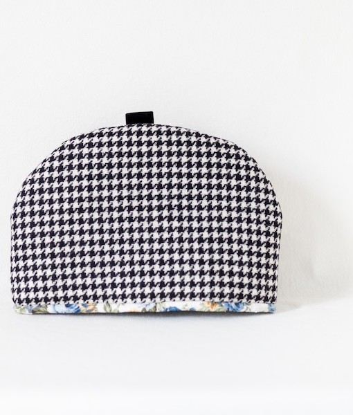 Katherine Emtage black & white houndstooth large tea cosy 2