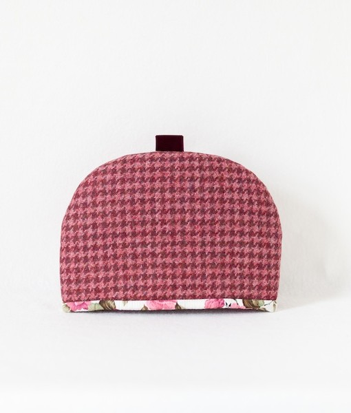 Katherine Emtage raspberry houndstooth tea cosy